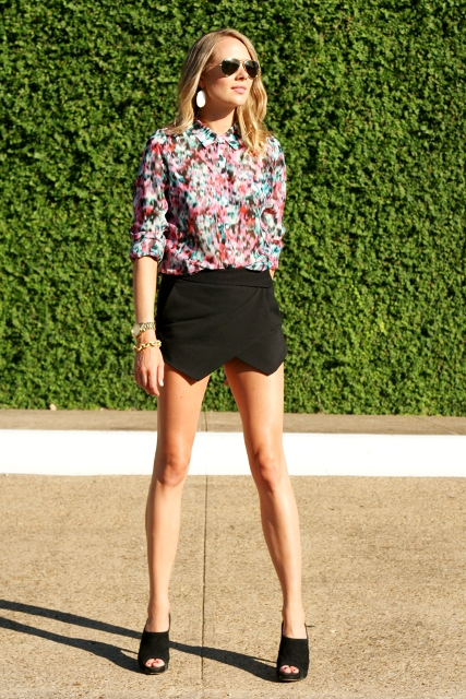 With printed blouse and black shoes