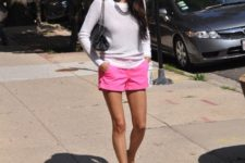 With sweatshirt, chain strap bag and girlish sandals