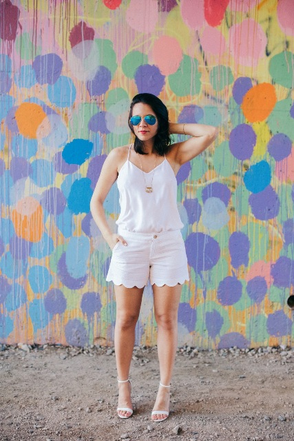 sunglasses look with shorts
