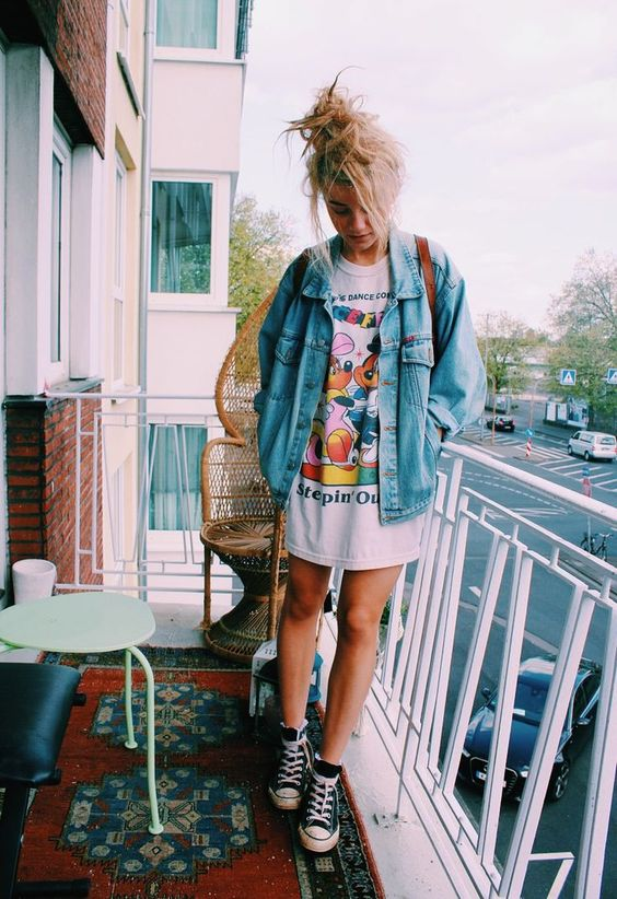 How To Wear An Oversized T Shirt 15 Ideas Styleoholic