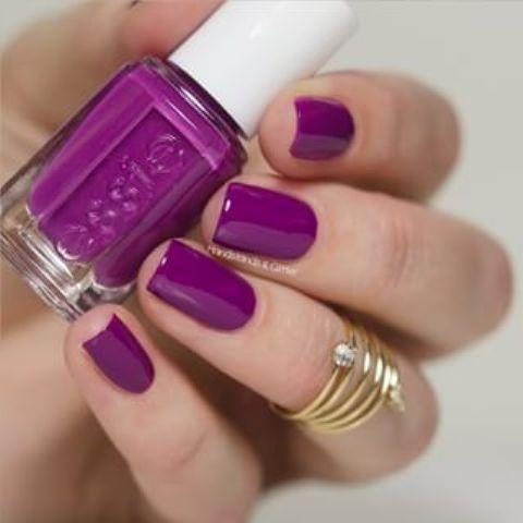 classic purple manicure is always a win-win idea for summer