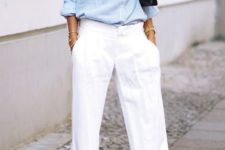 17 white pants, a blue striped shirt for an effortlessly chic summer work look
