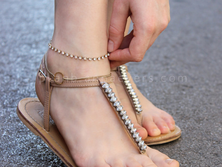 DIY crystal anklet (via planb.annaevers.com)