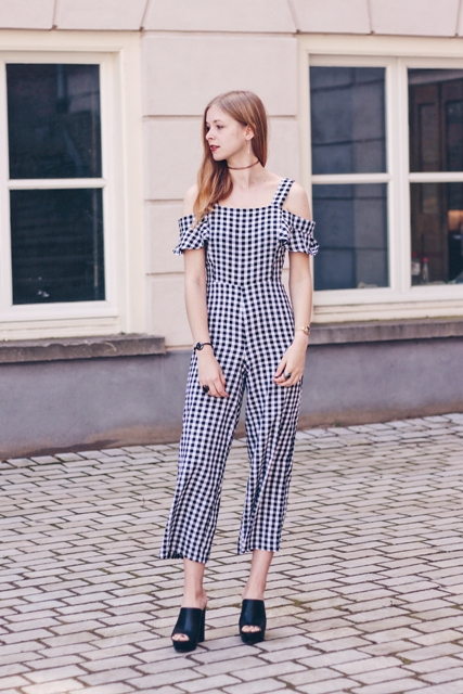 24c342be917 22 Checked Romper And Jumpsuit Outfits For Ladies - Styleoholic