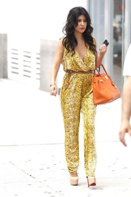 With brown belt, platform heels and orange bag