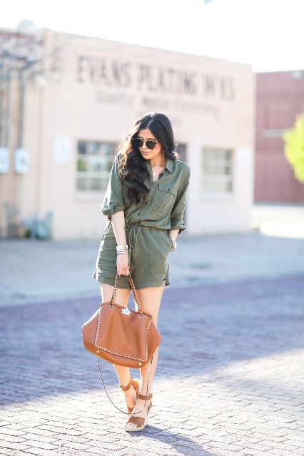 With brown platform sandals and brown tote