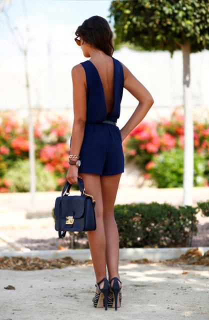 9b73c68861b Stylish summer look with navy blue bag and printed heels