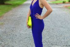 With neon bag and neon and nude sandals