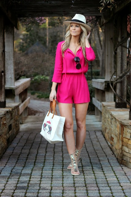 With white wide brim hat, lace up sandals and white tote