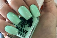 06 bold mint nails for summer and holidays