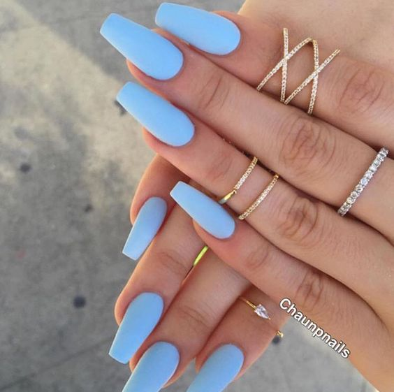 light blue matte nails are a great idea for summer to feel refreshed
