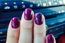 purple short nails
