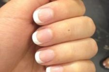 09 French manicure is classics for any nail shape
