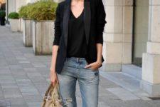15 ditressed boyfriend jeans, a black top, a black blazer and leopard print flats