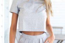 15 grey linen high waist shorts and a grey short sleeve crop top