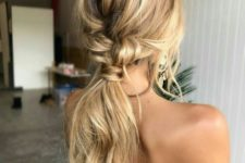 15 loose low and messy ponytail is easy to make yourself
