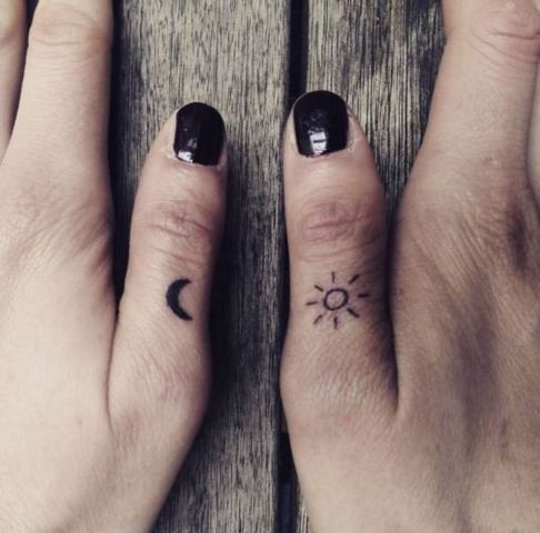 20 sun and moon tattoo ideas for ladies styleoholic for Small sun and moon tattoos
