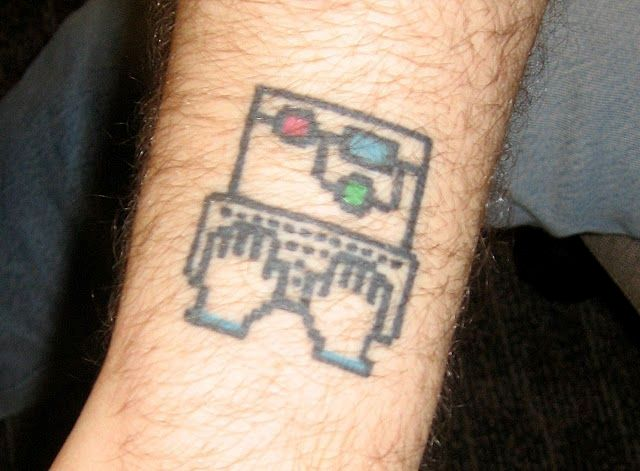 Small tattoo on the arm