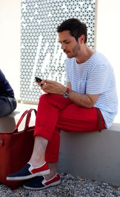 With striped loose t-shirt and red cuffed pants