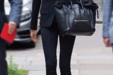 05 navy skinnies, a black top, a black blazer and nude heels for a chic look