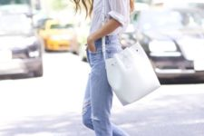 06 a white shirt, blue distressed jeans, red heels and a white tote