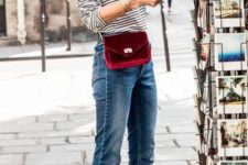 06 cropped jeans, a black and white striped shirt, burgundy velvet heels and a matching crossbody