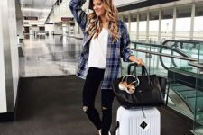 comfy casual travel outfit