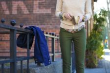 07 olive green pants, a floral print shirt, a creamy sweater, a statement necklace and nude heels