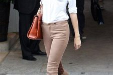 08 neutral pants on buttons, a white shirt and burgundy velvet flats