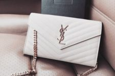 14 a white clutch on a chain can be worn on the shoulder, too, which is a great idea