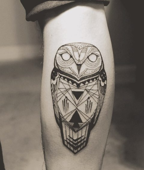 Geometric tattoo on the leg