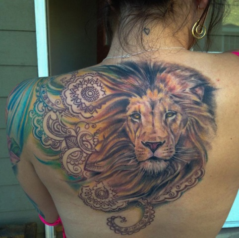Realistic tattoo on the back
