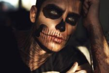 07 chic skull makeup done inly with black touches looks pretty and dreamy