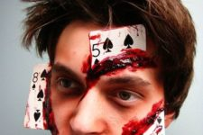 09 a crazy bloosy cards makeup doesn't require a difficult costume