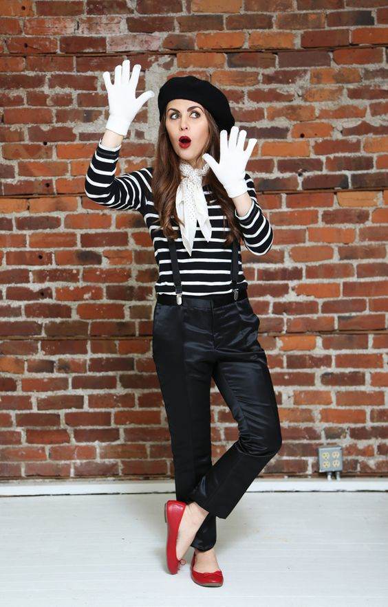 picture of a simple halloween mime costume with black. Black Bedroom Furniture Sets. Home Design Ideas