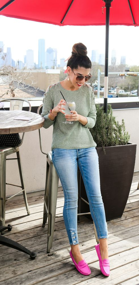 mint knit sweater, blue jeans on buttons and hot pink flats for a casual look