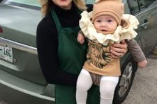 16 Starbucks barista and a frappuccino is a perfect idea for a mom and her baby