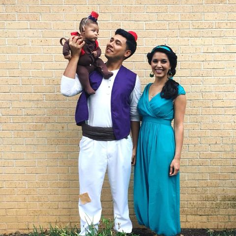 Aladdin costume for the dad Jasmine costume for the mom and Abu costume for the  sc 1 st  Styleoholic & 20 Family Halloween Costumes Ideas - Styleoholic