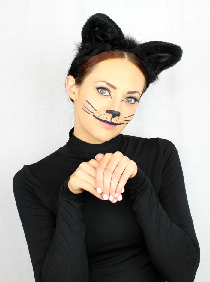 DIY last minute black cat Halloween makeup (via www.littlejstyle.com)