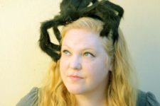 DIY tarantula headband