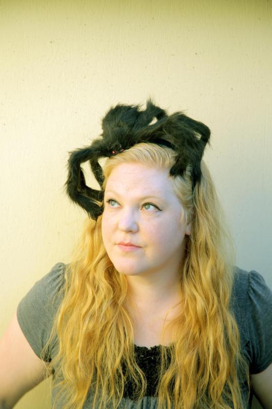 DIY tarantula headband