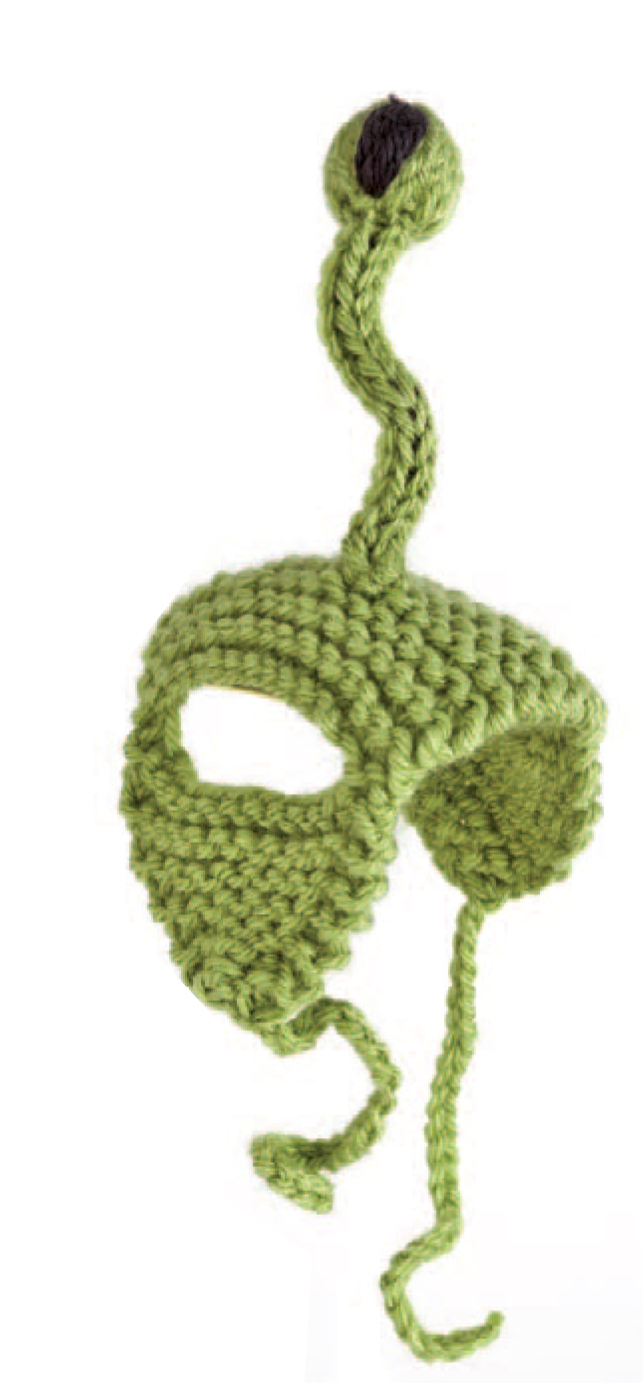 DIY knitted alien cat hat (via www.craftfoxes.com)