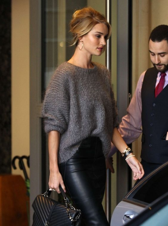 a black leather midi skirt, a grey oversized sweater and a large bag for a sexy winter look