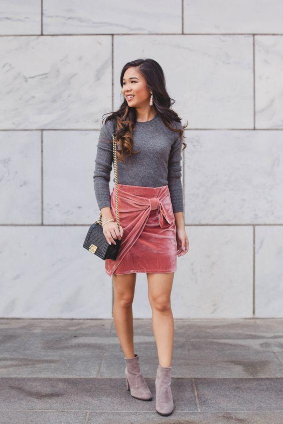 c227d6cc2eb 15 Trendy Velvet Mini Skirt Looks You ll Love - Styleoholic