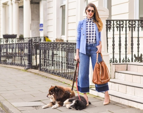 With checked shirt, blue jacket, beige pumps and brown tote