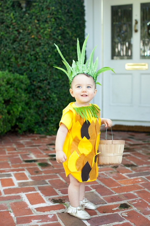 DIY no sew pineapple costume