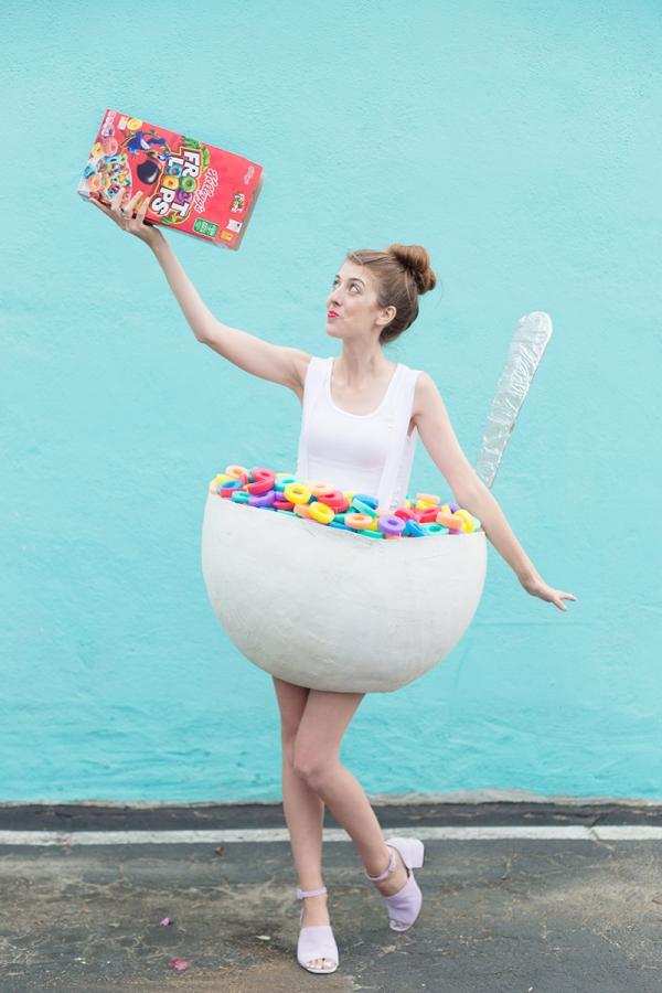 DIY cereal bowl costume (via studiodiy.com)