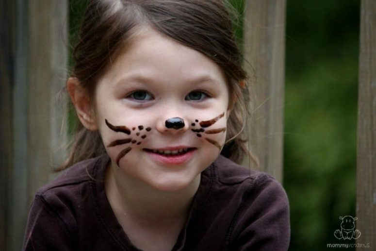 DIY non-toxic face paint (via www.mommypotamus.com)