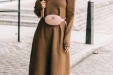 02 a brown dress with long sleeves, an asymmetric skirt, a blush bag and fuchsia sock boots
