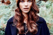 simple waves are always a win-win idea to show off your hair and look chic
